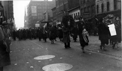 Who Killed William Robinson Essay by 1932 The Ford Hunger March