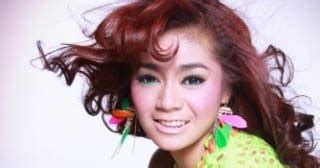 Zaskia Top Moca sensitive management artis dangdut