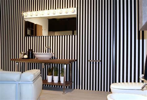 Striped Wallpaper Bathroom by Hometrotter Home Style Casa Arredamento Design