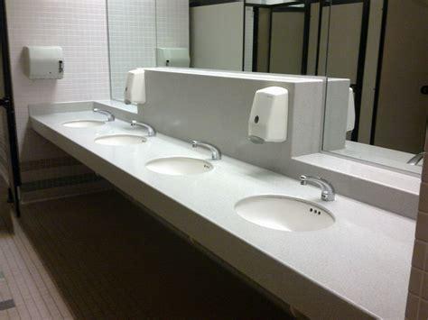 pulizia bagni impresa di pulizie teramo acquachiara revolution s r l