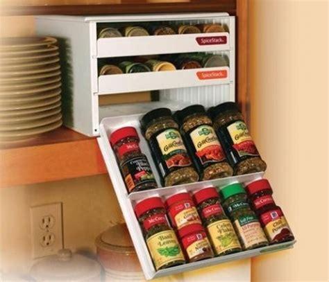 ideas  colocar especieros en la cocina