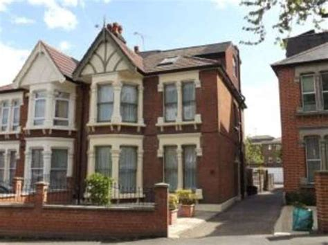 5 bedroom detached house for sale in london 5 bedroom semi detached house for sale in hillcrest road