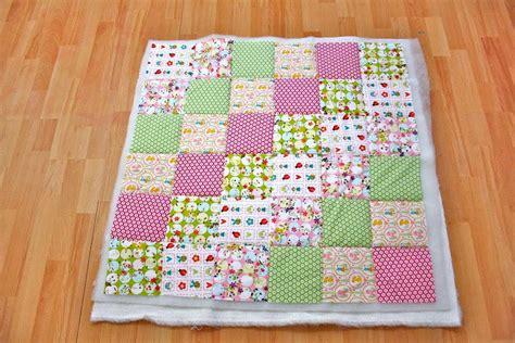decke quilten mit nähmaschine patchworkdecke quilten anleitung wie eine decke n 228 ht