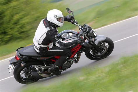 Motorrad Suzuki Gladius by Suzuki Gladius 650 Test 2014 Motorrad Fotos Motorrad Bilder