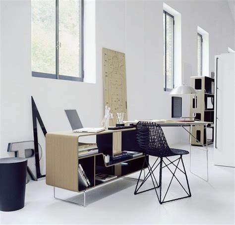 Modern Office Interior Design Ideas Regarding Modern Small Modern Design Desk