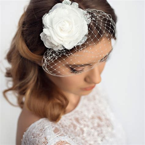 Wedding Hair With Small Veil by Small Birdcage Veil With And Lace Details By Florentes