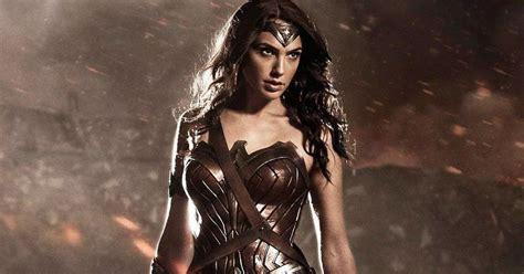 imagenes de wonder woman en batman vs superman listen to wonder woman scold batman superman cosmic