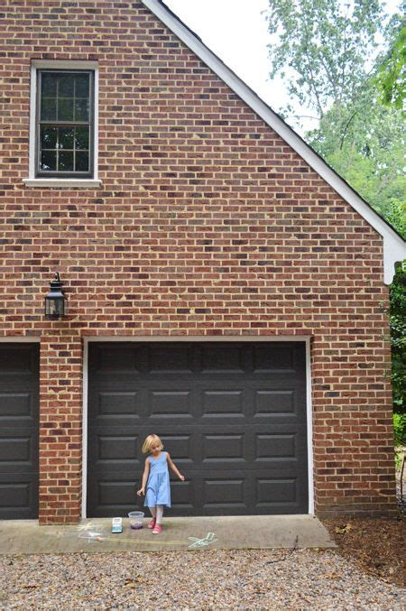 Best Garage Door Paint Urbane Bronze By Sherwin Williams In Their Duration Line Since That S What The House Painters