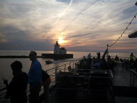 dinner boat ride cleveland ohio twilight dinner cruise in ohio the nautica queen in cleveland
