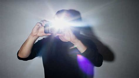 do all light cameras flash add flash to your front to take photo at
