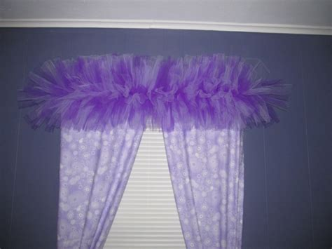 tutu valance may your bobbin always be full tutu valance tutorial