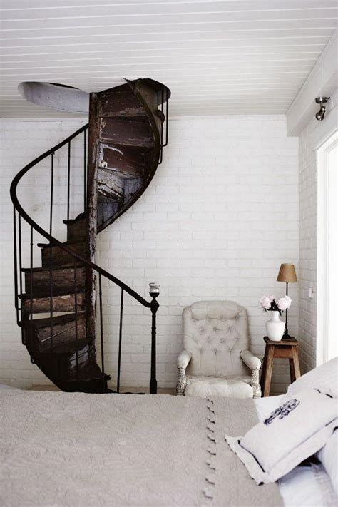 staircase decor ideas  wall  niches founterior