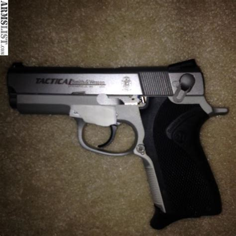 smith wesson 40 tactical object moved