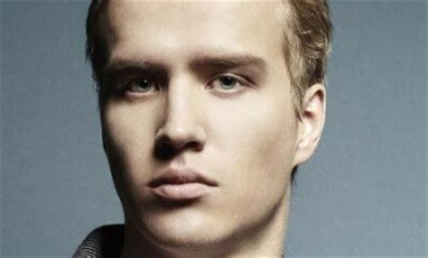 hairstyles for receding hairline and round face mens undercut hairstyle
