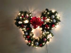 mickey mouse light up wreath disney christmas dreams