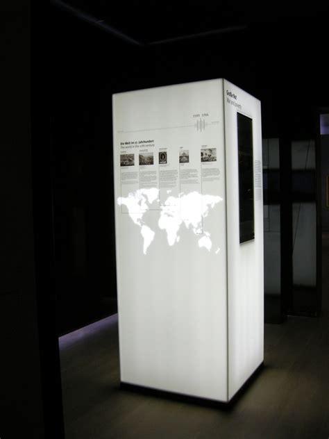corian händler leuchtstelen aus corian im landesmuseum w 252 rttemberg