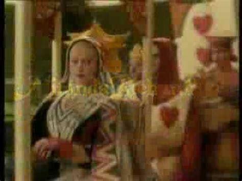 alicia en el pais alicia en el pa 237 s de las maravillas 1999 tr 225 iler youtube