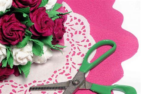 fiori di carta crespa fiori di carta crespa come realizzarli donnad