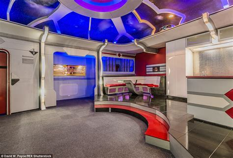 trek bedroom trek themed home in friendswood goes on sale for 1 2million daily mail