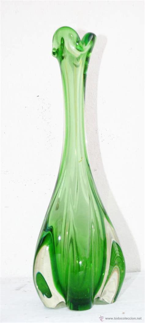 floreros y jarrones de vidrio las 25 mejores ideas sobre jarrones antiguos en pinterest
