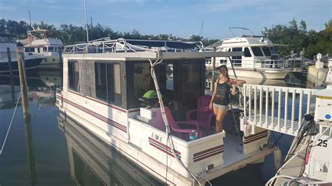 living in a house boat stand up paddleboarding and kitesurfing the florida keys