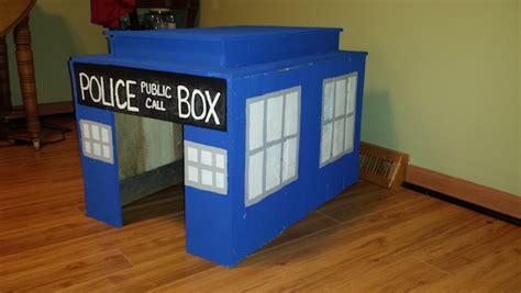 Recycled Wood Pallets Tardis Dog House Pallet Inverters And Material Handling