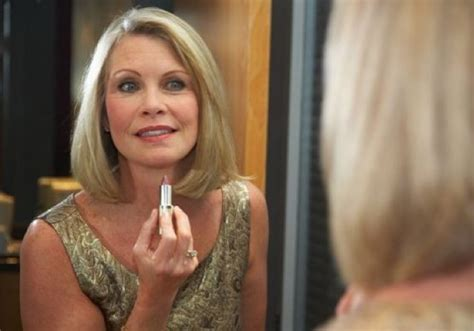 How Women Should Look At Sixty | how to apply makeup for a 60 year old leaftv