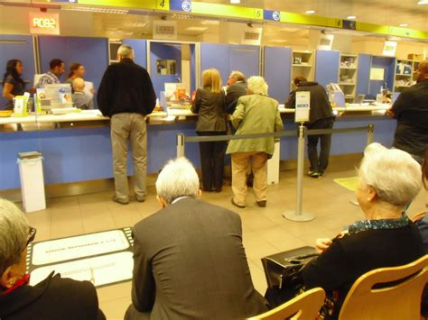 poste italiane pavia orari come evitare la coda all ufficio postale arriva la