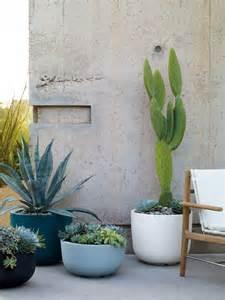10 easy pieces lightweight planters gardenista