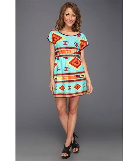 navajo pattern clothes the connecting culture of fashion navajo rug pattern vs