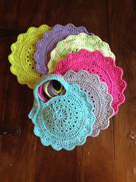 Dress Sonea An ravelry baby bib free pattern by sonea delvon