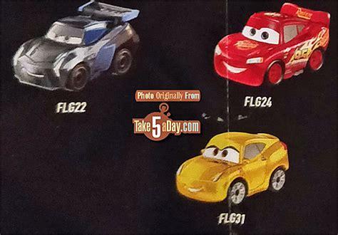 Mattel Mini Racers Cars 3 Wave 3 No 32 Dr Damage Ambulance Putih mattel disney pixar cars 3 metal mini diecasts wave 3