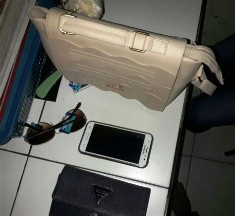 barang bukti milik korban yang di jambret