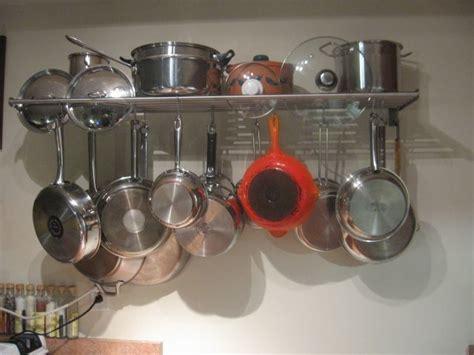 Pot Gantung Dengan Tatakan buat dapur apartemenmu lebih rapi dengan 5 tips ini
