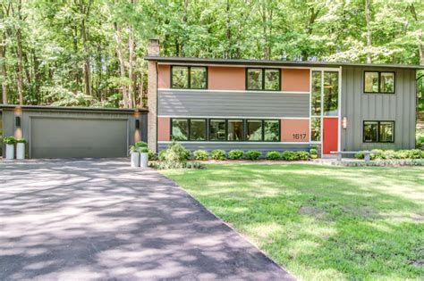 brady bunch house midcentury exterior grand rapids