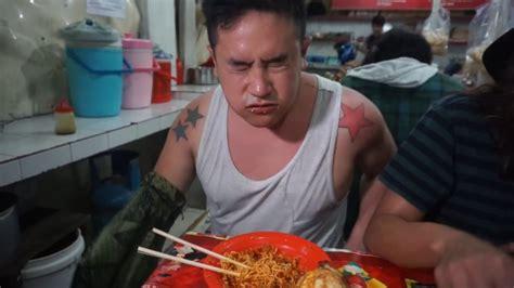 Man dies eating hot sauce