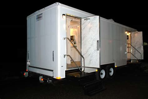 Portable Bathroom Trailers by Restroom Trailer Rental The Plaza By Callahead 1 800