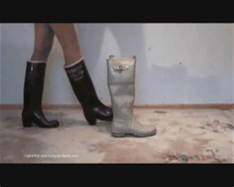 boat shoes rubbing heel uggs rubbing heels