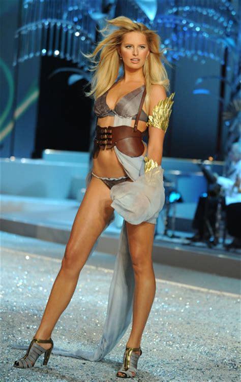 Karolina Kurkova Has Cellulite by Karolina Kurkova Model