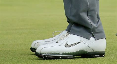 tiger woods golf shoes 2015 golfweek tiger woods masters 2015 wearing nike golf
