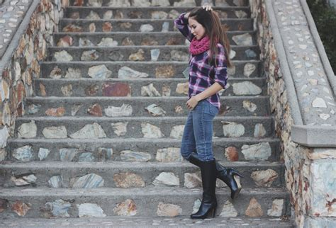 November Giveaways - november giveaway hand knit scarf by remember a day erika brechtel