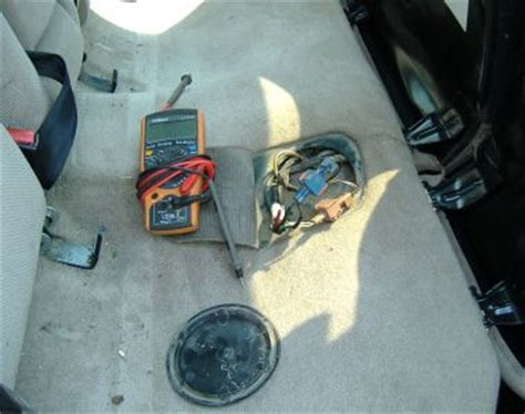 fuel pump 1995 saab 900 repair 1996 saab 900 no power to fuel pump turns over but doesn t start
