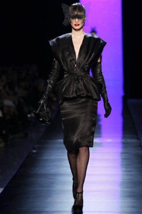 sfilata jean paul gaultier parigi alta moda primavera sfilata jean paul gaultier parigi alta moda primavera