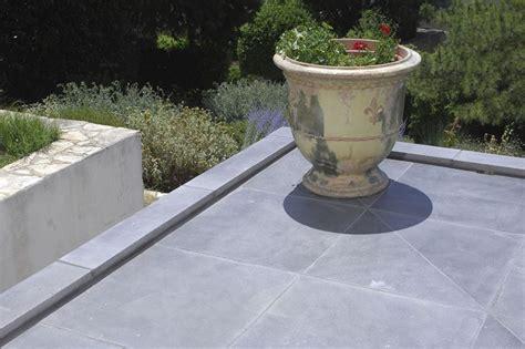 piastrelle giardino cemento piastrelle in cemento per esterno pavimenti esterno