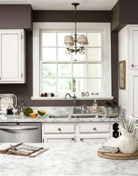 Brown Wall Kitchen by Brown Walls White Cabinets Light And Airy For