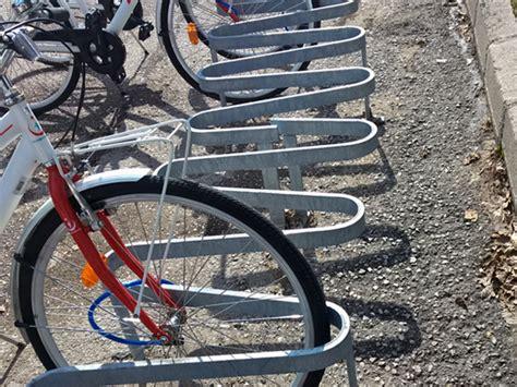 bisiklet motorsiklet park yeri li bp  cocuk oyun