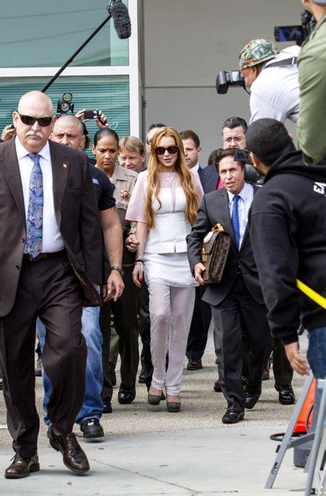Lindsay Lohan Goes To Rehab Again by Lindsay Lohan Going Back To Rehab