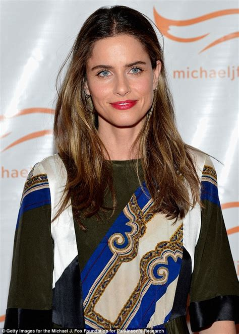 amanda peet stands out in printed maxi dress as she