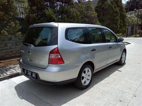Cermin Belakang Nissan Grand Livina dijual cepat dan murah nissan grand livina sv th 2010 mobilbekas