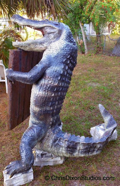 alligator statue ft